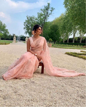 Load image into Gallery viewer, Sabyasachi Priyanka Jones Chopra sari - The Grand Trunk
