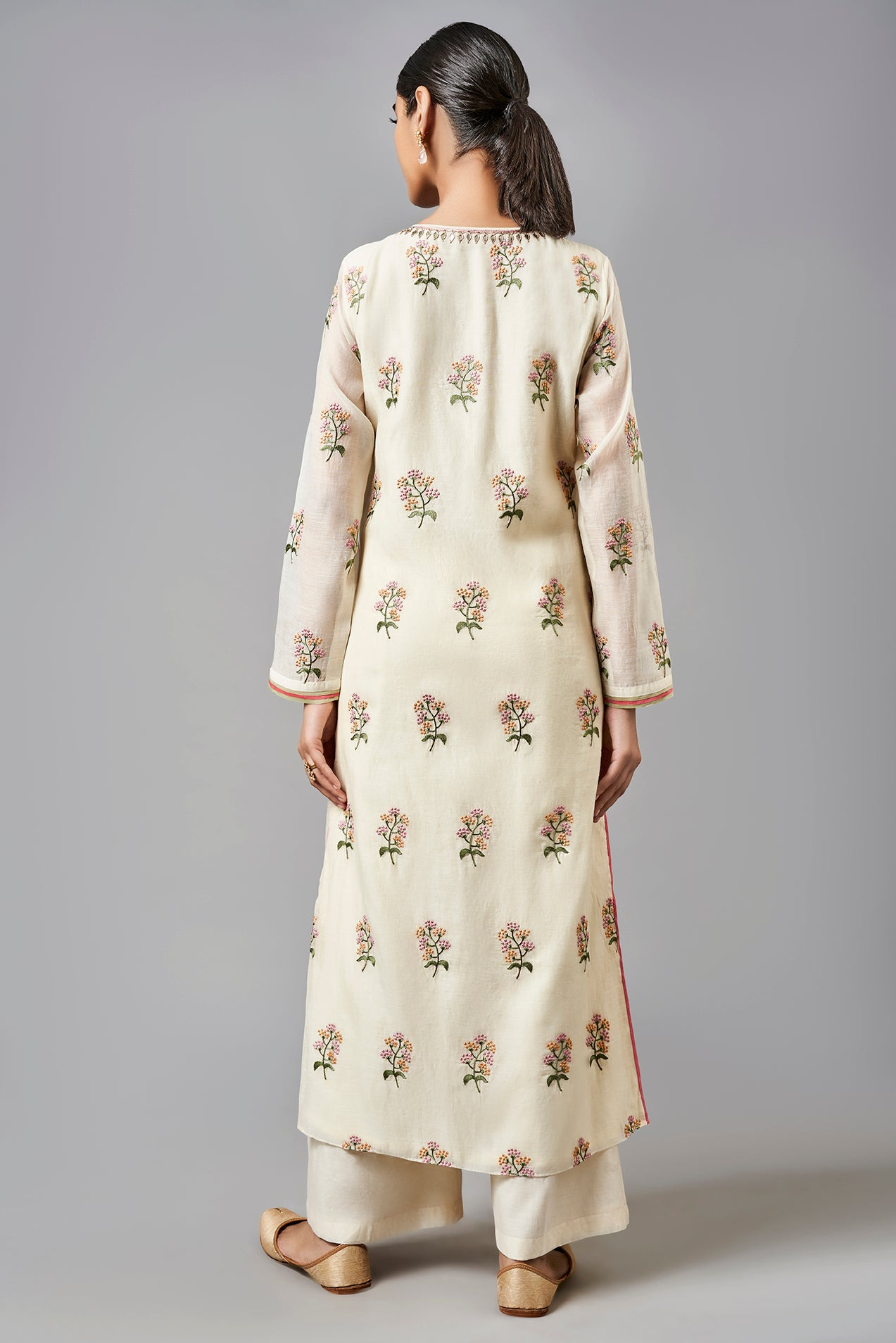 Trissa Kurta - The Grand Trunk