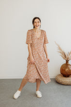 Load image into Gallery viewer, Peach Floral Flutter Sleeve Midi Dress