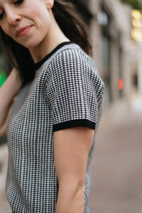 Houndstooth Jacquard Print Structured Short Sleeve Knit - The Cavell