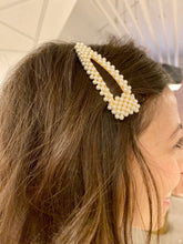 Load image into Gallery viewer, Large Pearl Cluster Hair Clip - Gold