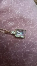 Load image into Gallery viewer, Crystal Mood Pendant with Chain