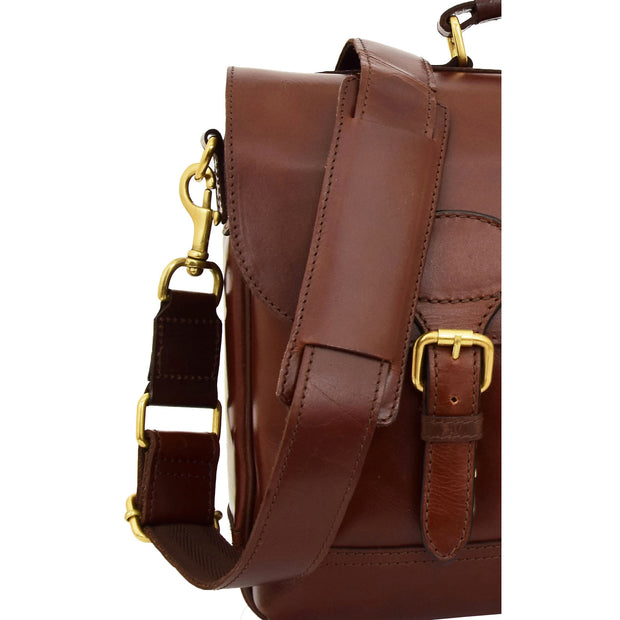 Luxurious Leather Briefcase Classy Business Laptop Bag Buddy Brown Feature 1