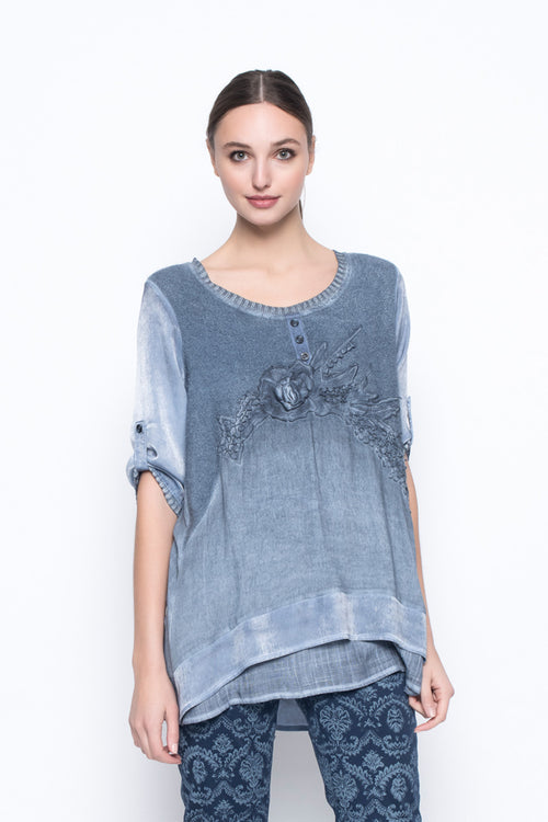 Long Sleeve Top With Applique