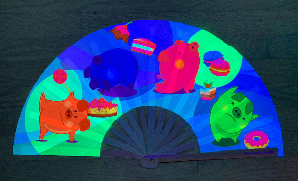 yoga piggy circuit party uv glow hand fan by fabulous me, circuit fan, edm fan, rave fan by fabulousme.com fabulousme piggy fan, cute piggy fan, yoga pig