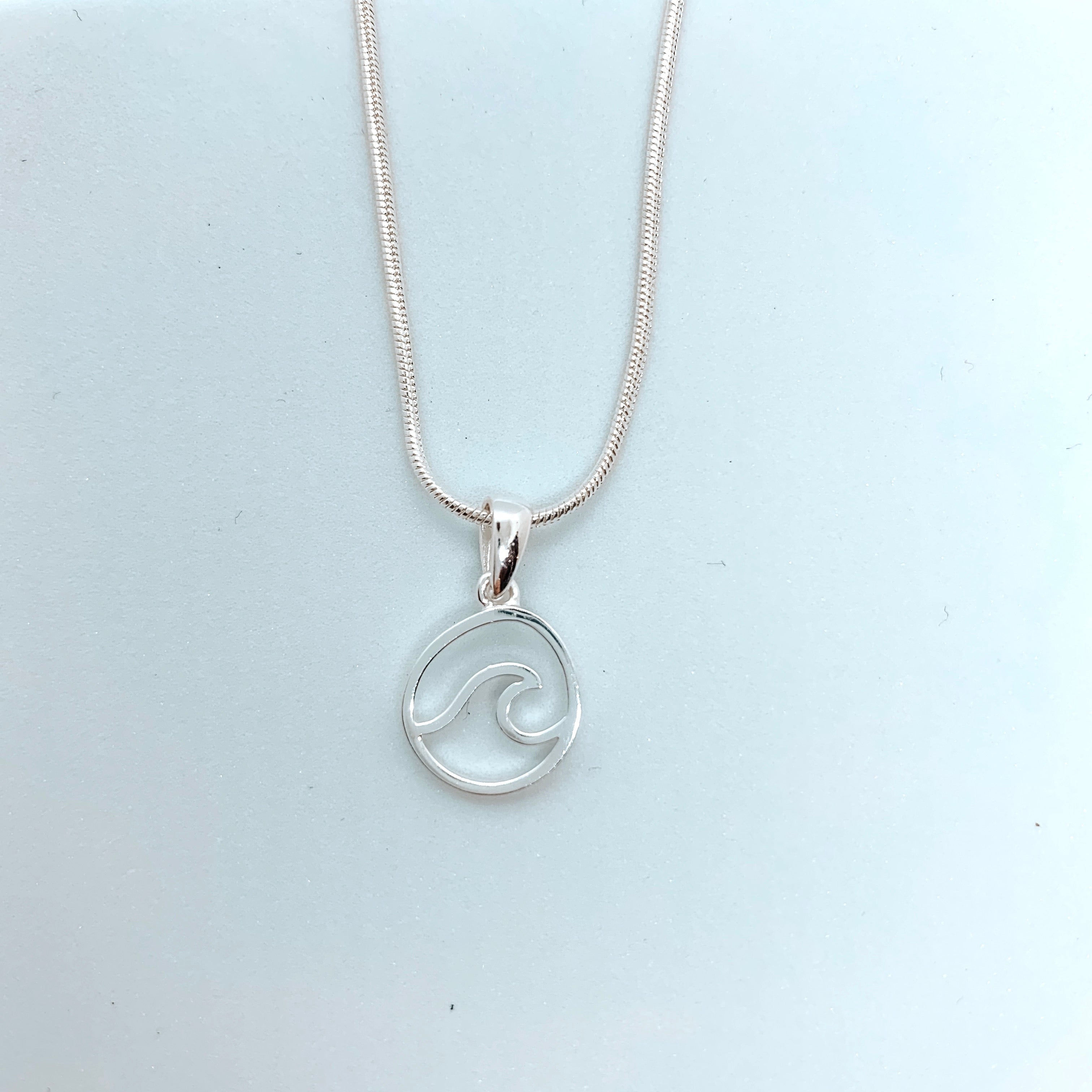 Ocean swell necklace