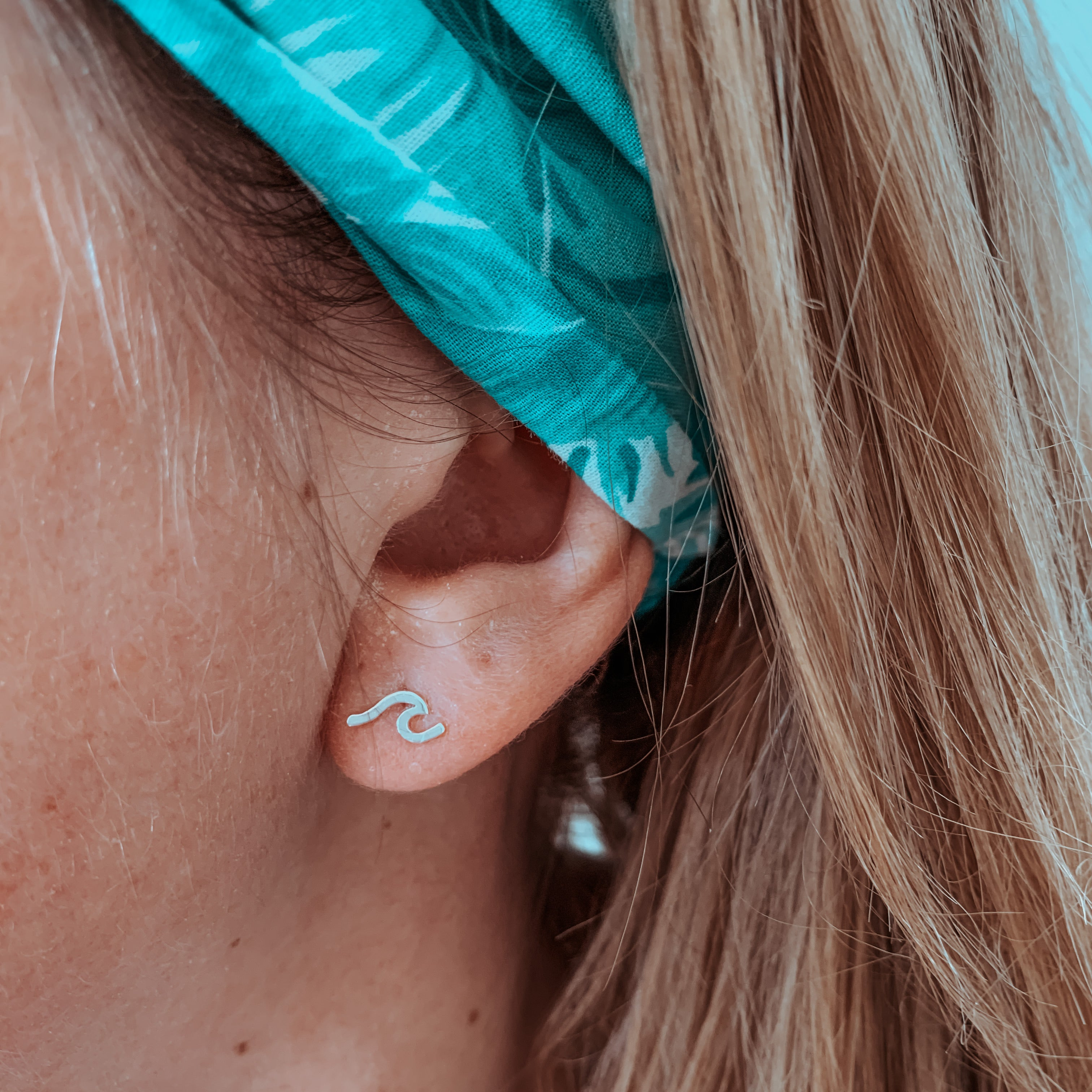 Ocean swell stud earrings
