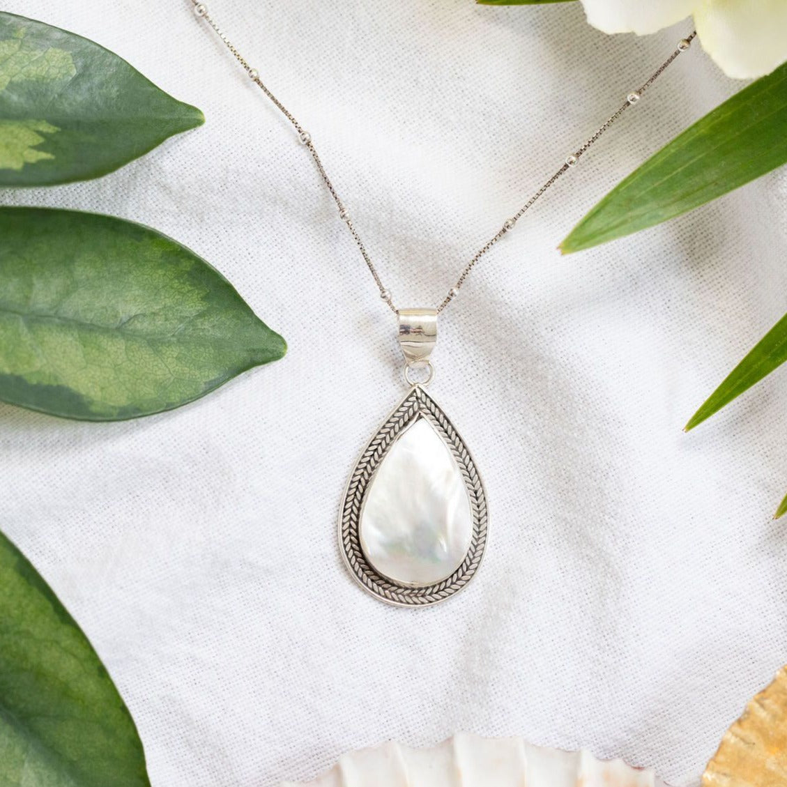 One ocean necklace
