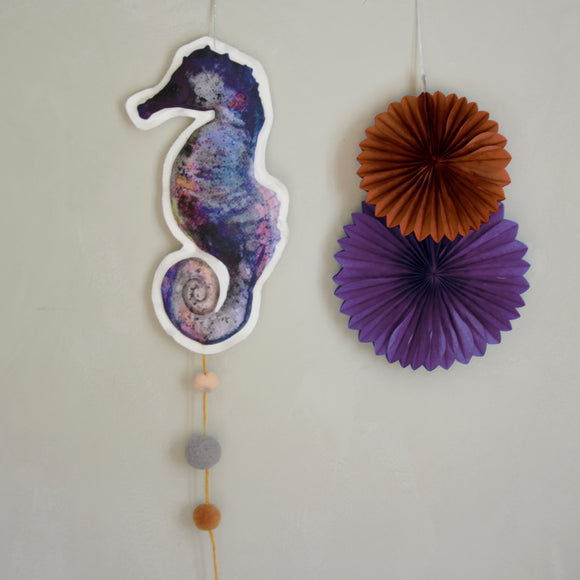 Sea horse, mobile, purple - Dessin Design