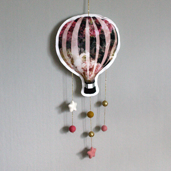 Flowery pink hot air balloon, mobile - Dessin Design