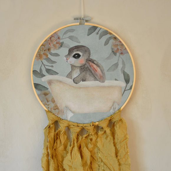 Wall hoop; Bath tub bunny - blue - Dessin Design