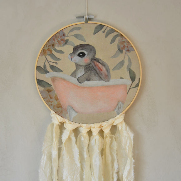 Wall hoop; Bath tub bunny - creme- Dessin Design
