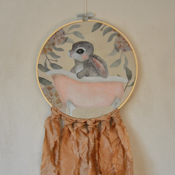 Wall hoop; Bath tub bunny - fudge - Dessin Design