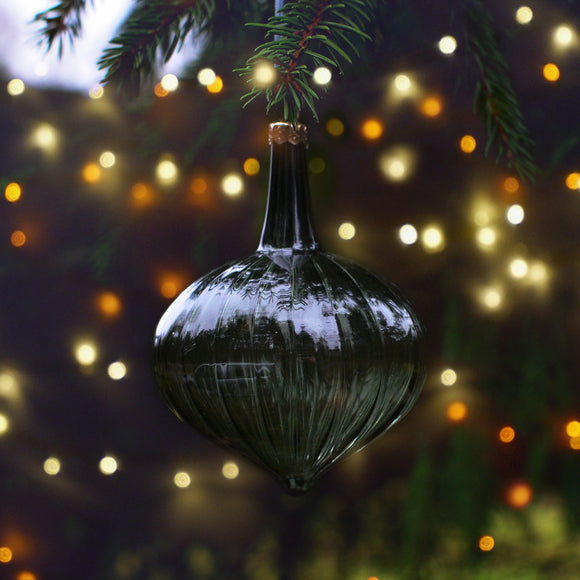 Christmas glass bauble - green