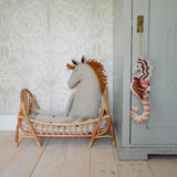 Ferm Living, Horse Cushion - Natural. Dessin Design