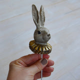 Brown bunnyhead on stick, Alot, Dessin Design
