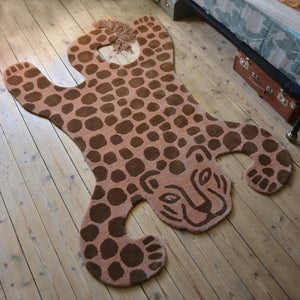 Ferm Living, Tufted Rug - Leopard. Dessin Design