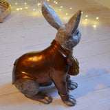 Big bunny with bronze clothes, Alot, Dessin Design