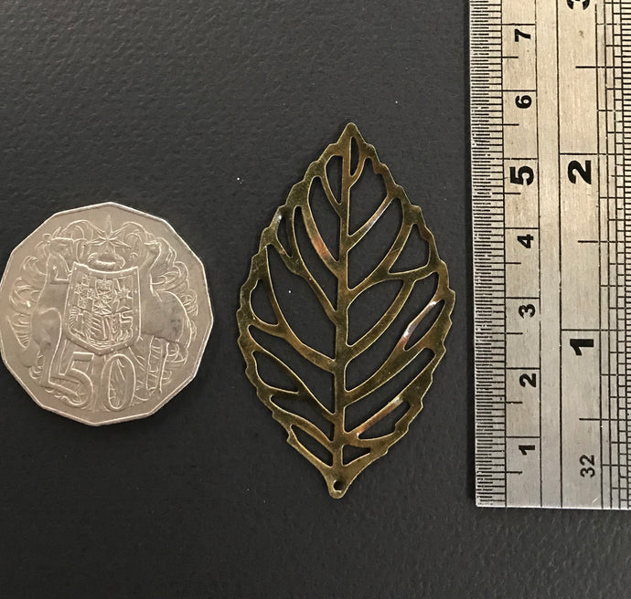 Medium metal leaf