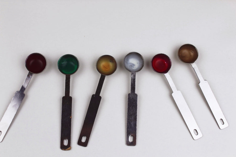 How to Clean Your Wax Spoons