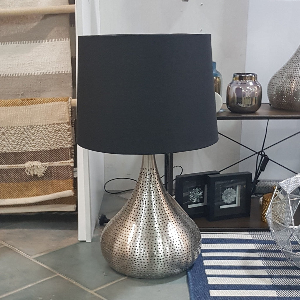Azizah Metal Lamp-thenestsw