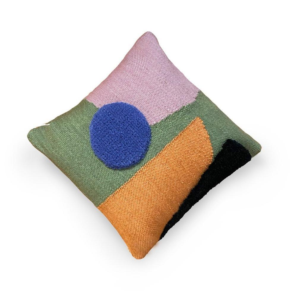 ARRANGEMENT PILLOW 06