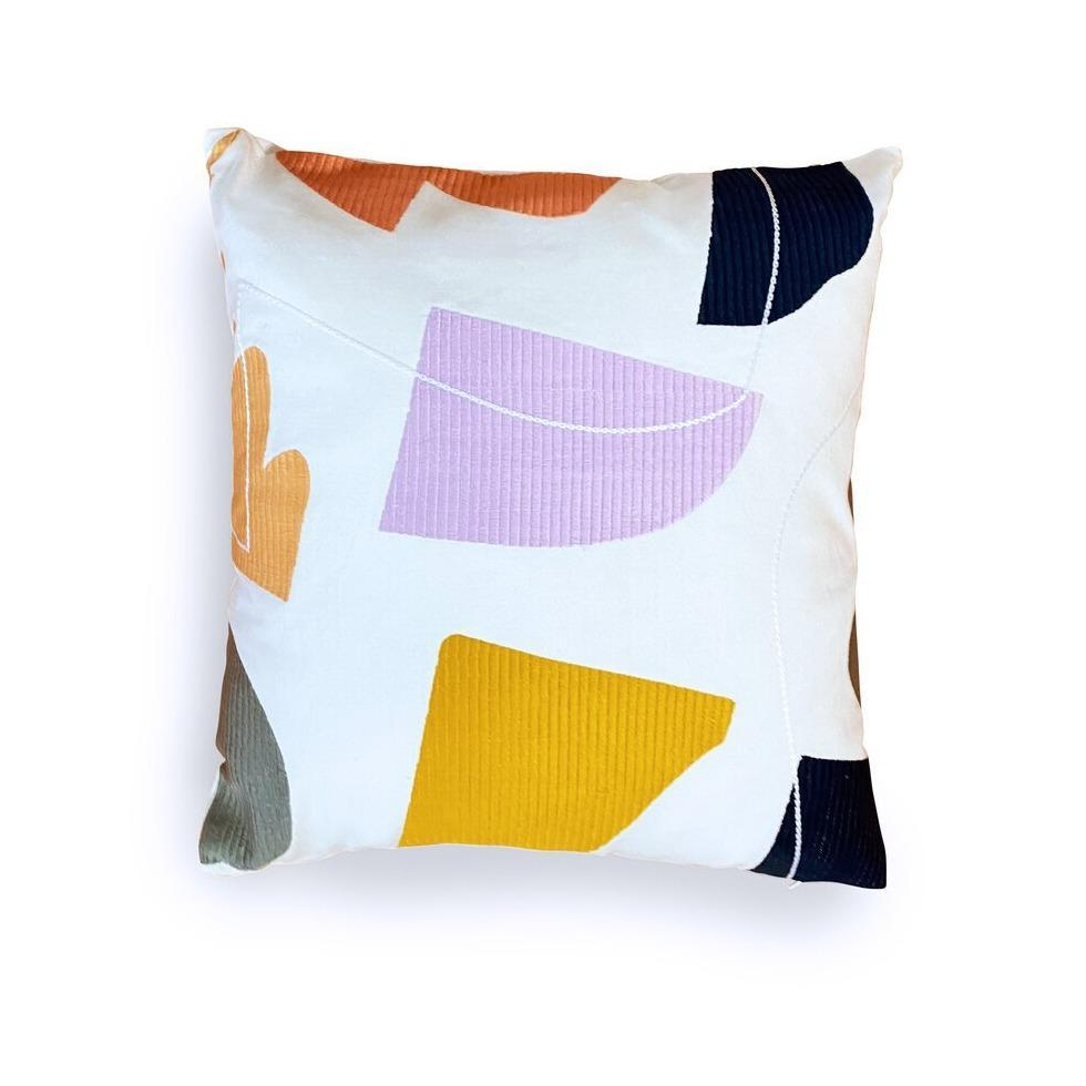 STUDIO PROBA ARRANGEMENT PILLOW 07