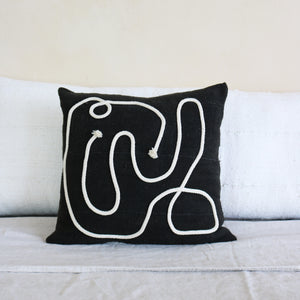 KAIYO Pillow Noir by Küdd:Krig