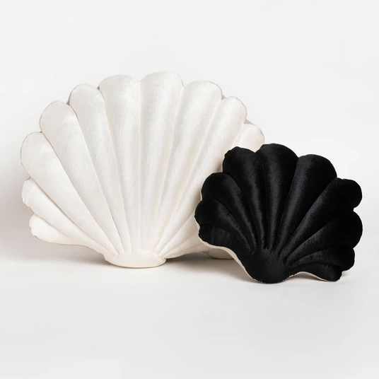 Shell Pillow in Black Velvet - Small