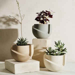 Vayu Snow Tabletop Planter