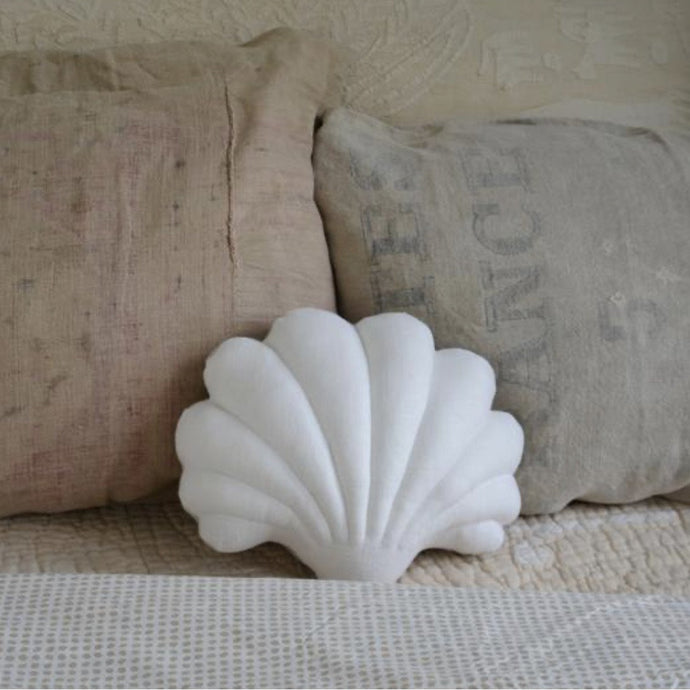 Shell Pillow in White Linen - Small