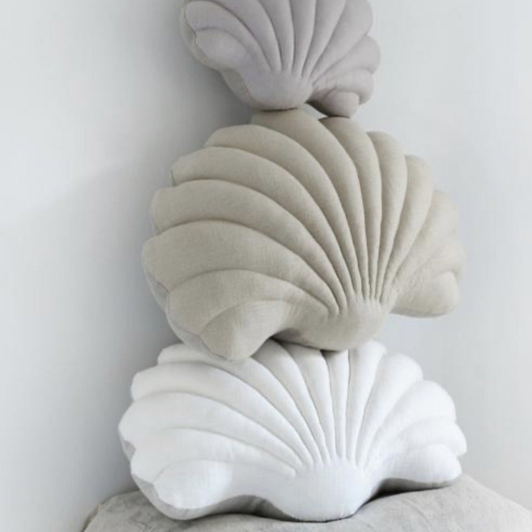 Shell Pillow in White Linen - Large