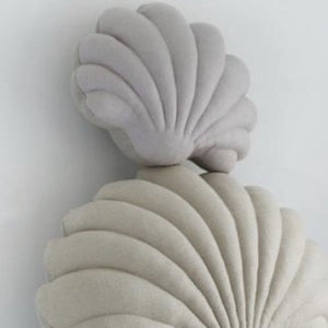 Shell Pillow in Lavender Linen - Small