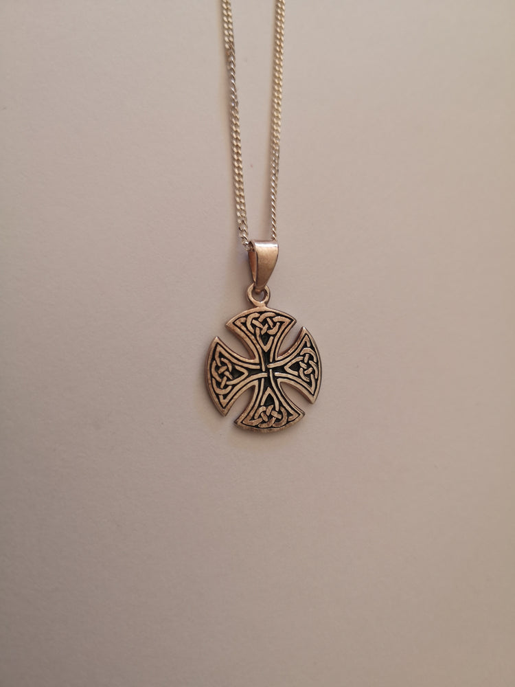 Sterling Silver Round Celtic Cross Necklace