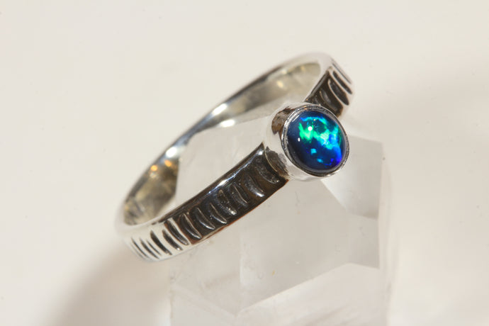Lightning Ridge Black Opal Ring [Size 7]