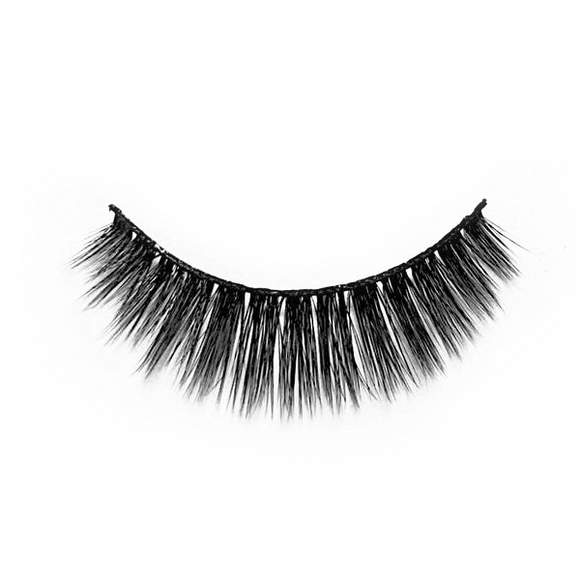 Dreamer Lashes - Premium 100% Silk Lashes - Charm Beauty Lashes - www.charmbeautylashes.com.au