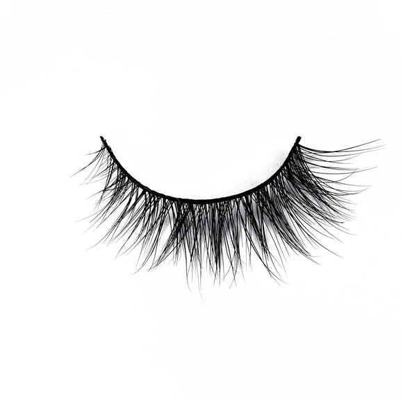 Royal Lashes - Luxury Mink Lashes - Charm Beauty Lashes - www.charmbeautylashes.com.au