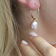 Load image into Gallery viewer, Baroque Freshwater Pearl Hoops