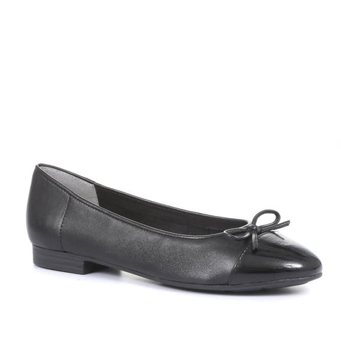 Black Leather Ladies Ballerina Pumps