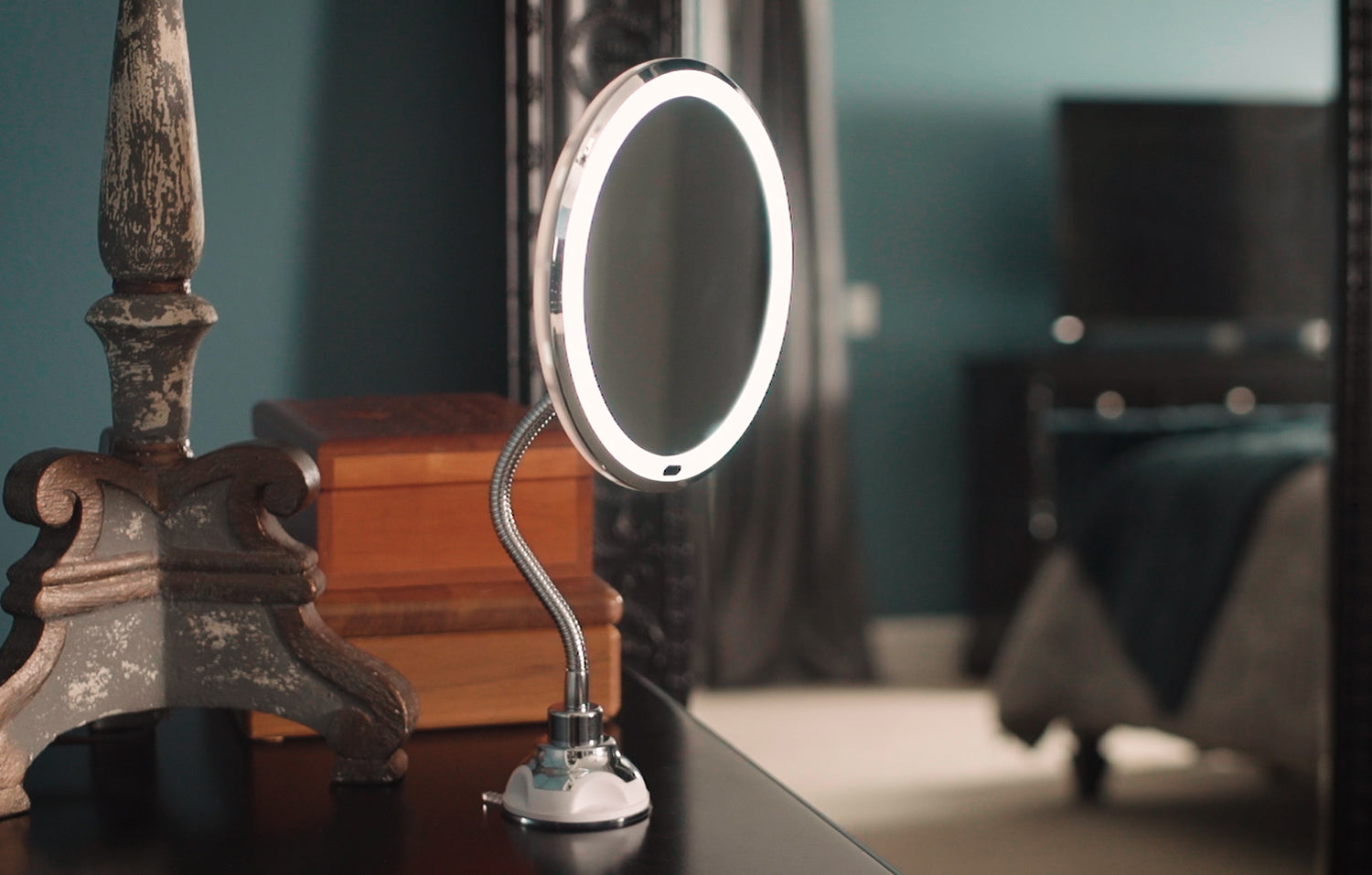 Flexible Mirror | The mirror that comes with you!