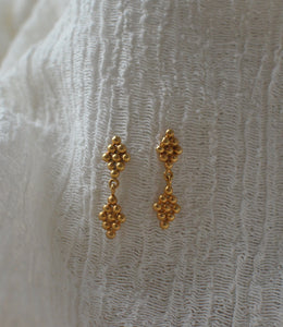 goldplated silver dangling earrings beaded minimal bohemian ancient roman greek style handmade in europe eiv jewelry