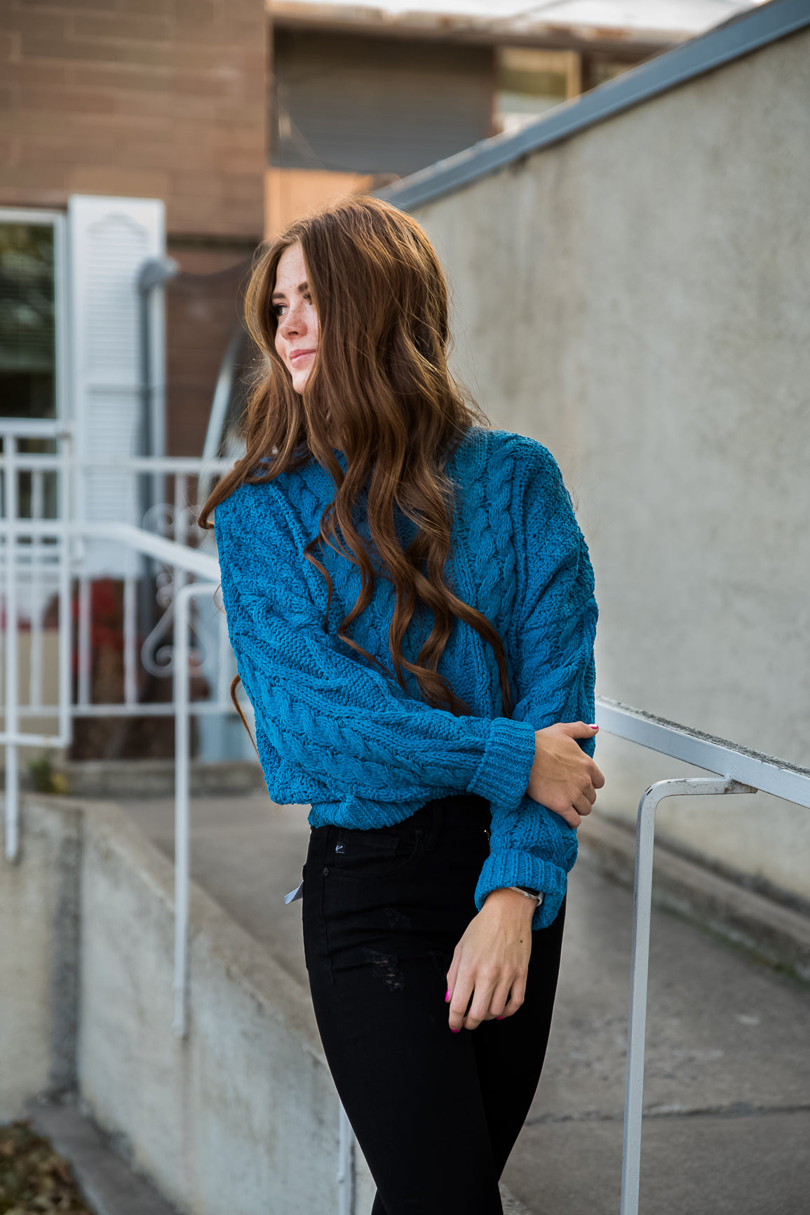 Crew Neck Chunky Cable Knit Pullover Sweater in Cobalt Blue