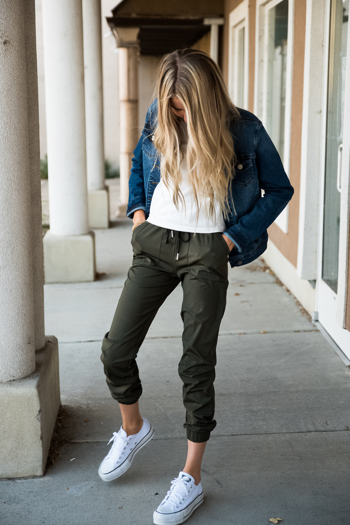 DT Magic Mid-weight Joggers in Moss Green
