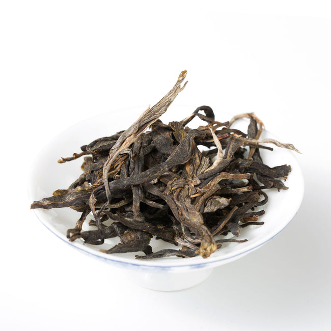 Bing Dao 2017 raw pu erh tea serving
