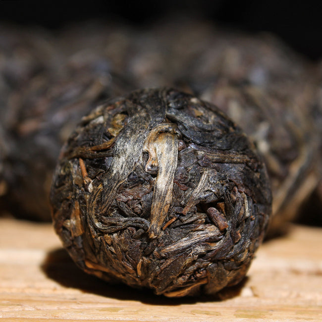 Pu erh Tea Bu Lang Old arbor tea Dragon pearl 2014