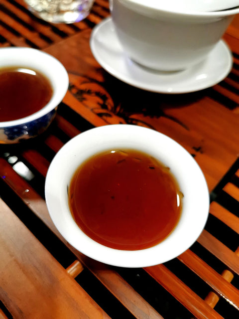 color of 2013 Bu Lang Imperial ripe Pu erh tea