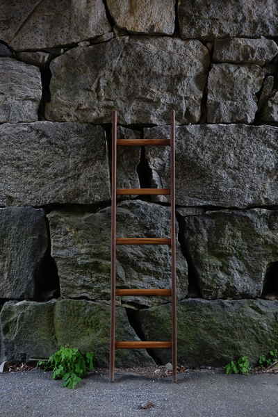 Straight Ladder