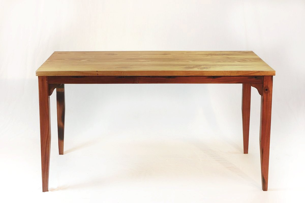 140 Slim Dining Table