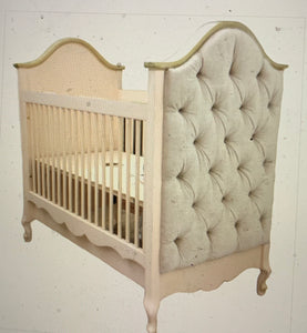 Petit Ange Tufted Crib