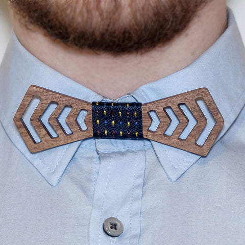 Wooden bow-tie, Raster